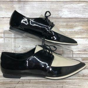 Zara Basic Womens 7M Black Ivory Pointed Toe Shoe